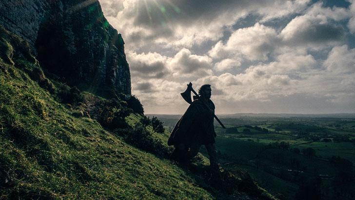 Dev Patel é destaque em novas imagens de 'The Green Knight'
